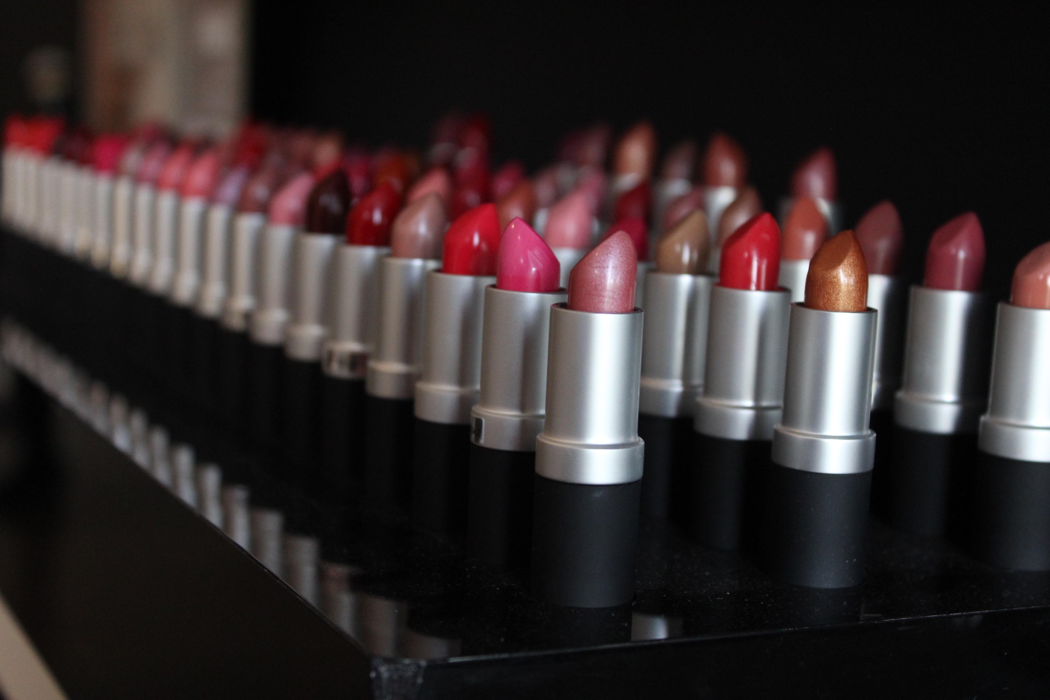 lipstick SLA