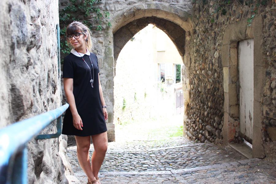 petite robe noire col claudine