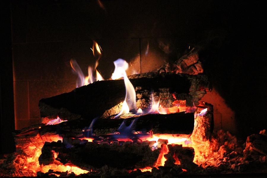 feu de cheminée ardèche blog fringinto