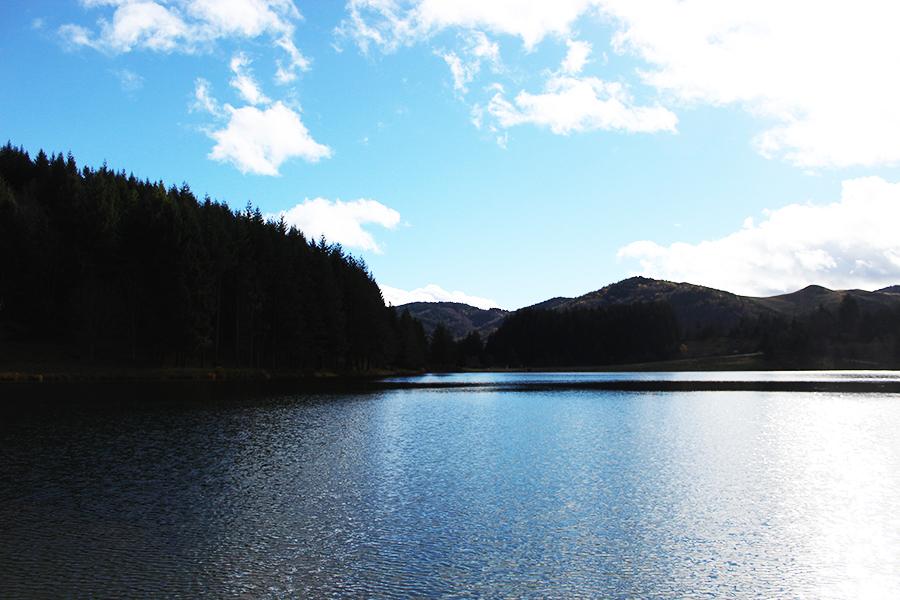 lac de saint martial ardèche arcens