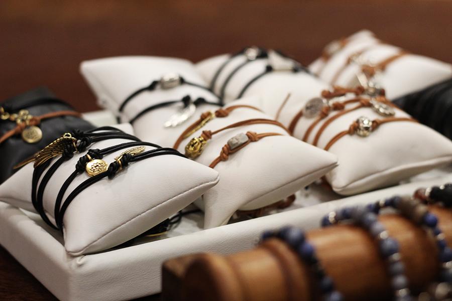 bracelets D.Y.L