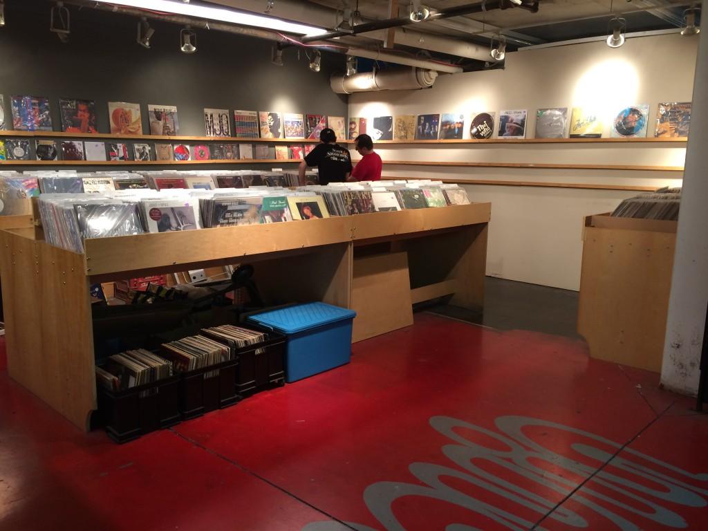 vinyl-toronto-black-market